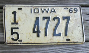 Iowa Farm Scene License Plate Pottawattamie County 2006 953 ROE