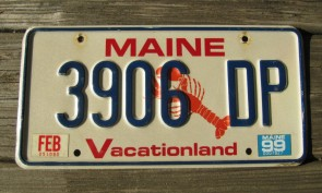 Maine Chickadee Vacationland License Plate 2011 4875 RM