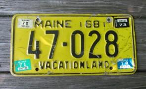 Maine Chickadee Vacationland License Plate 2005 7476MA