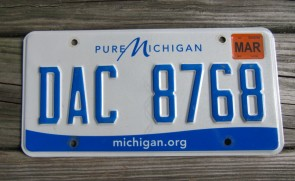 Michigan Blue White License Plate 2001 Great Lakes