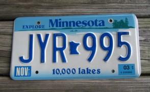 Minnesota Explore Minnesota 10,000 Lakes License Plate 1986