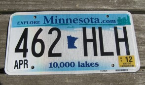 Minnesota Explore Minnesota 10,000 Lakes License Plate