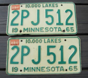 Minnesota Explore Minnesota 10,000 Lakes License Plate 2014