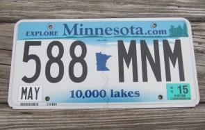 Minnesota Explore Minnesota 10,000 Lakes License Plate 2015 588 MNM