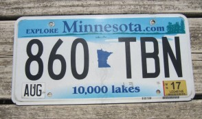 Minnesota Explore Minnesota 10,000 Lakes License Plate 2015