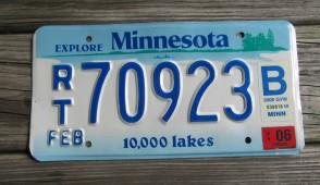 Minnesota Explore Minnesota 10,000 Lakes License Plate 2015