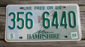 New Hampshire Old Man of The Mountain Live Free or Die License Plate 1988