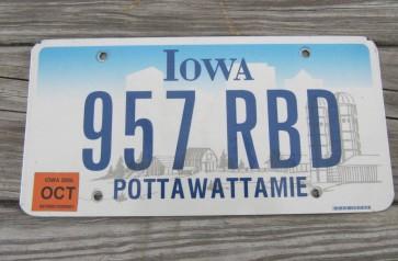 Iowa Farm Scene License Plate Pottawattamie County 2006 957 RBD
