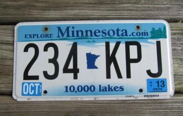 Minnesota Explore Minnesota 10,000 Lakes License Plate 2013
