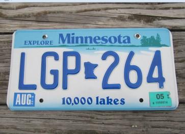 Minnesota Explore Minnesota 10,000 Lakes License Plate 2005