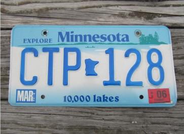 Minnesota Explore Minnesota 10,000 Lakes License Plate 2006