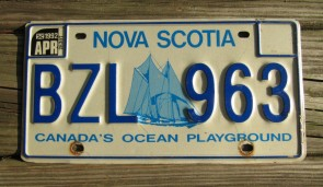 Canada Nova Scotia Bluenose Schooner License Plate 1992