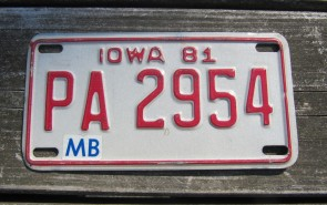 Iowa Motorcycle License Plate Red White 1981