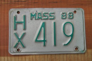 Massachusetts Motorcycle License Plate Green White 1988