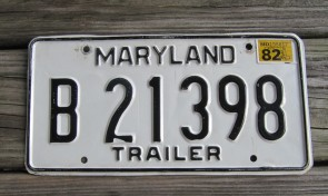 Maryland Black White License Plate 1982