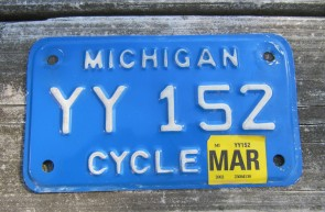 Michigan Motorcycle License Plate White Blue 2002