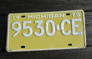 Michigan Yellow White License Plate 1970 Great Lake State