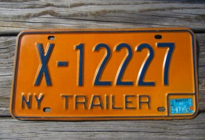 New York Trailer License Plate Yellow Blue 1987