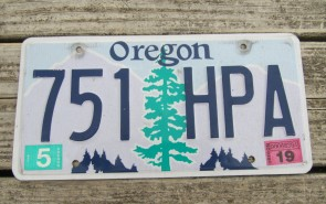 Oregon Tree and Mountains License Plate 2019