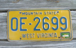 West Virginia Mountain State License Plate 1976 0E 2699