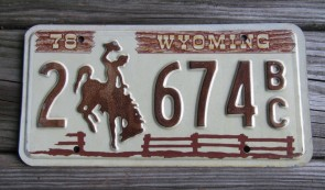 Wyoming Brown Wooden Fence License Plate Bucking Horse 1978